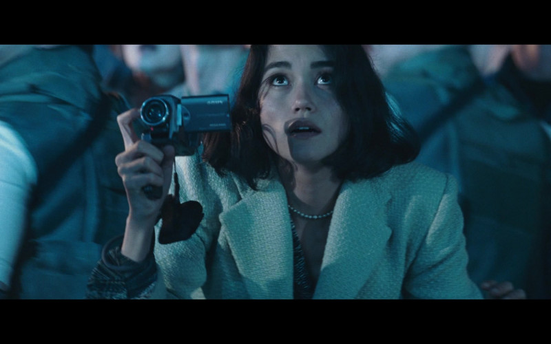 Sony Video Camera of Sandrine Holt as Terri Morales in Resident Evil Apocalypse (2)
