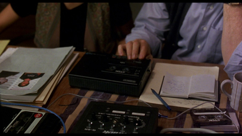 Sony tape player & TDK tapes in Ransom (1996)
