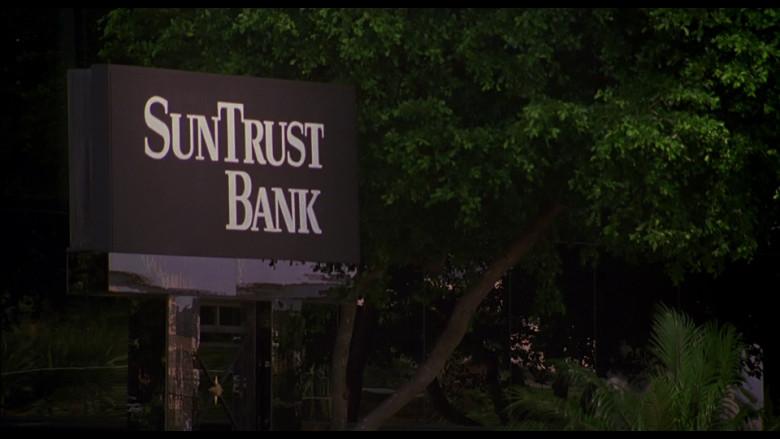 SunTrust Bank Billboard in Out of Sight (1998)