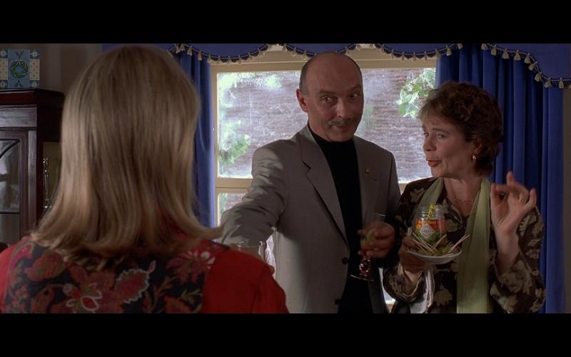 Tabasco olives in Bridget Jones's Diary (2001)