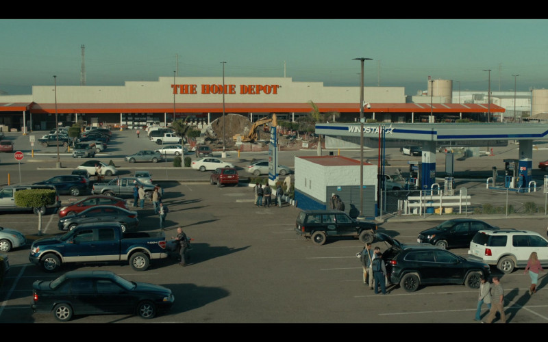 The Home Depot Store in Coyote S01E01