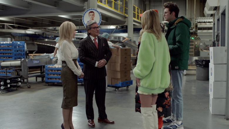 The North Face Green Jacket of John Reynolds as Drew Gardner in Search Party S04E06 (1)