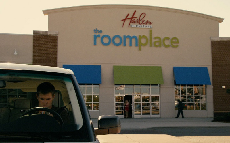 The Roomplace Furniture Store in Cash (2010)