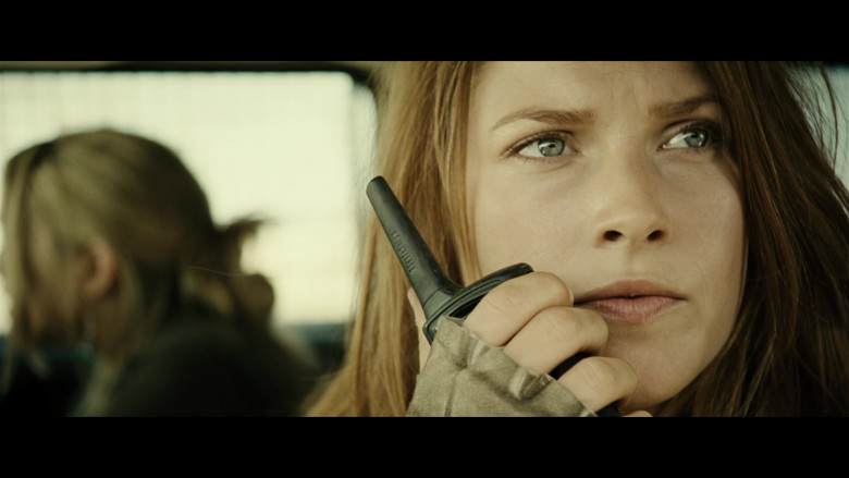 Uniden Radio of Ali Larter as Claire Redfield in Resident Evil Extinction (2)