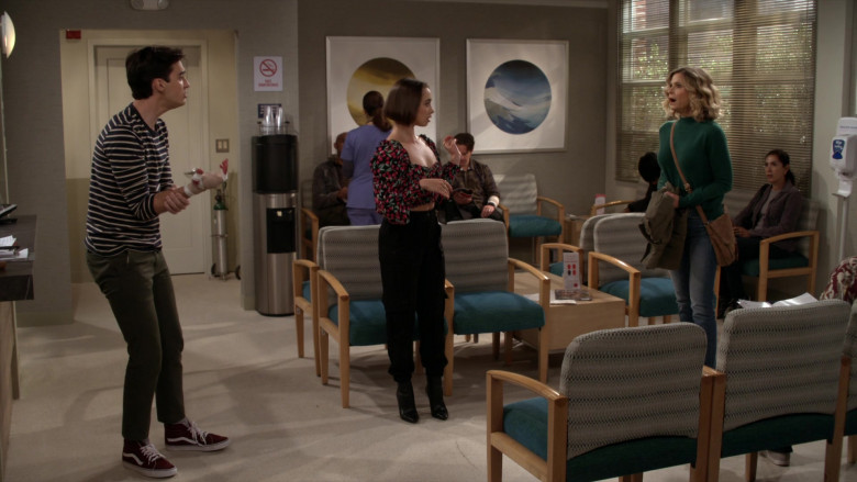 Vans Shoes of Joey Bragg as Freddie Raines in Call Your Mother S01E03 (2)