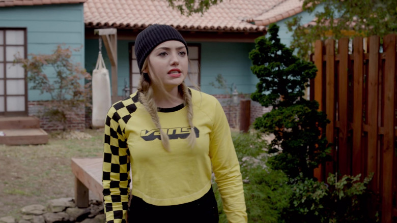 Vans Women's Crop Top of Peyton List as Tory Nichols in Cobra Kai S03E07 (4)