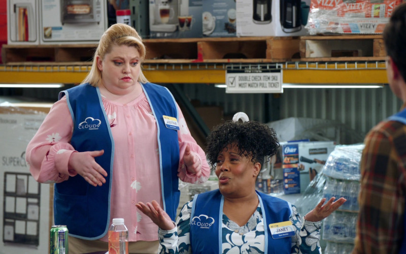 Vizzy Hard Seltzer and Oster in Superstore S06E06 Biscuit (2021)