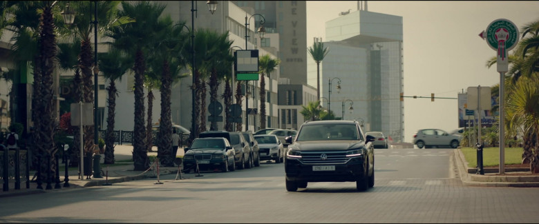 Volkswagen Touareg Car in Redemption Day 2021 Movie (2)