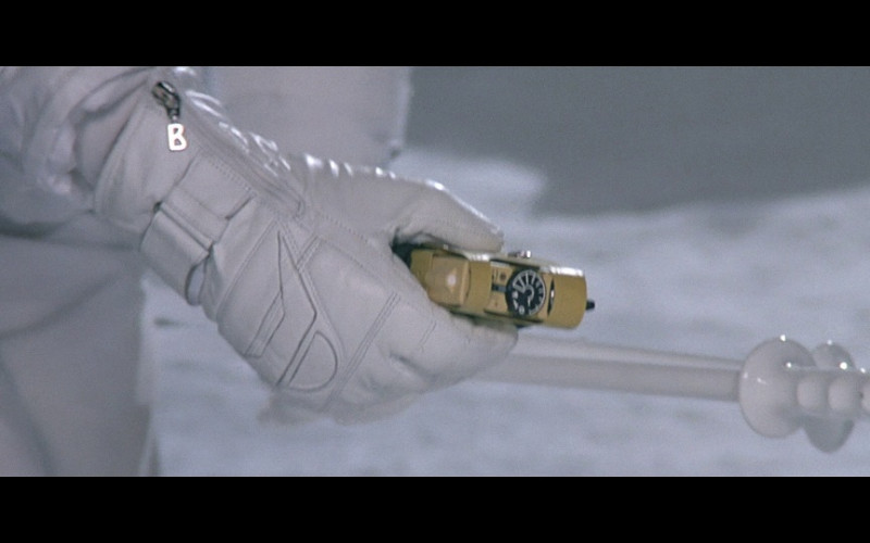 Willy Bogner Ski Gloves in A View to a Kill (1985)