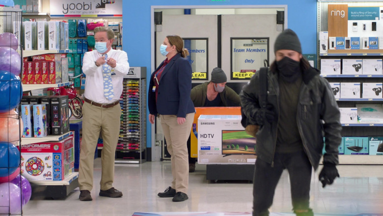 Yoobi Stationery, Samsung TV Box, Ring and TP-Link Devices in Superstore S06E06 (2)