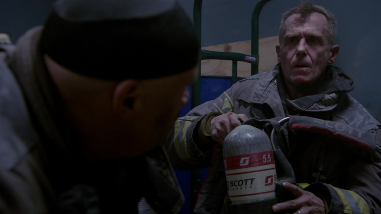 3M Scott Fire & Safety Equipment in Chicago Fire S09E05 (3)
