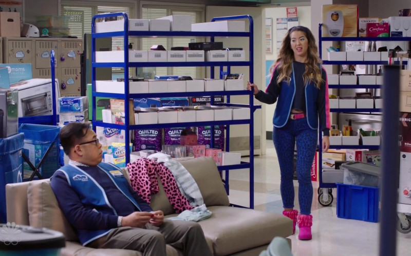 4Moms Infant Tub, Quilted Northern, Crock-Pot, Carefree, Keurig in Superstore S06E08