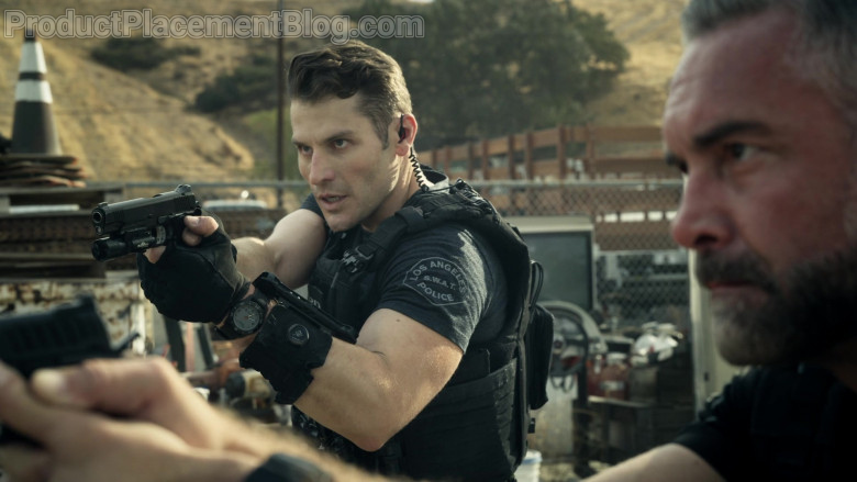5.11. Tactical Watch of Alex Russell as Jim Street in S.W.A.T. S04E09 (2)