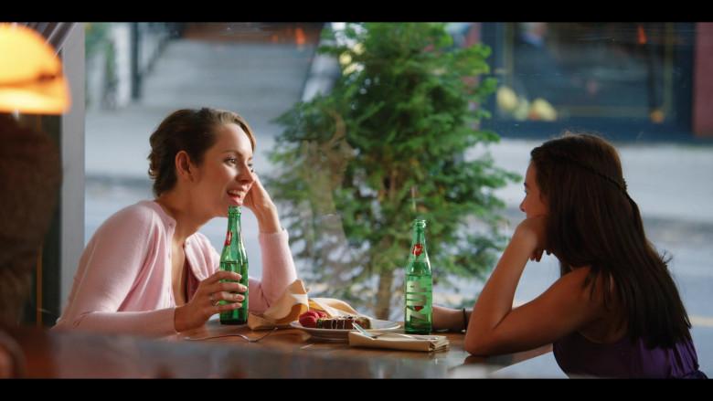 7UP Soda Bottles in Firefly Lane S01E02 (2)