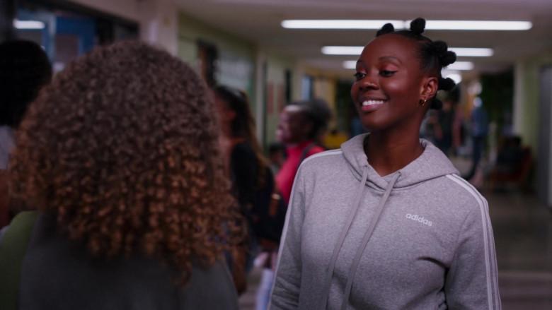 Adidas Women's Hoodie of Romi Straiter as Samantha in Ginny & Georgia S01E02 (2)