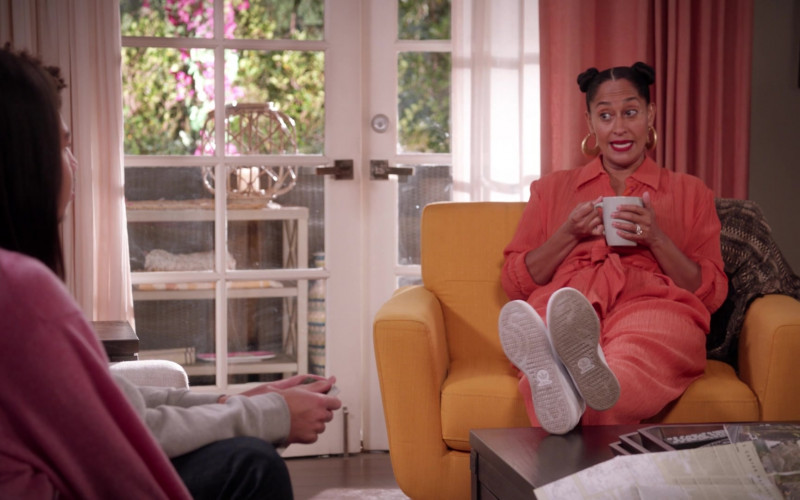 Adidas Women's Sneakers of Tracee Ellis Ross as Dr. Rainbow Bow Johnson in Black-ish S07E13
