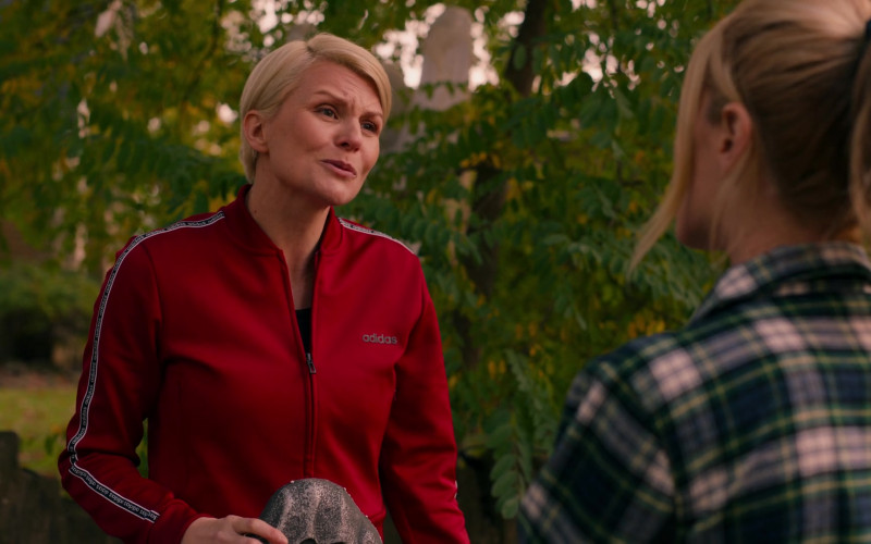 Adidas Women's Tracksuit of Jennifer Robertson as Ellen in Ginny & Georgia S01E05 Boo, Bitch (2021)