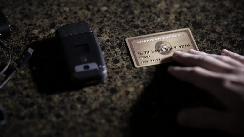 American Express Gold Card in Tell Me Your Secrets S01E02