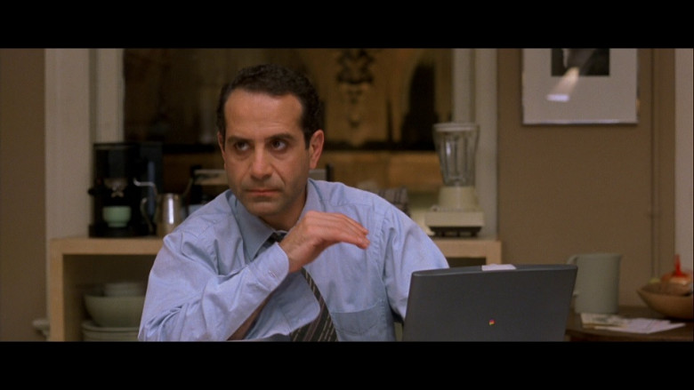 Apple Laptop of Tony Shalhoub as FBI Special Agent Frank Haddad in The Siege (1998)