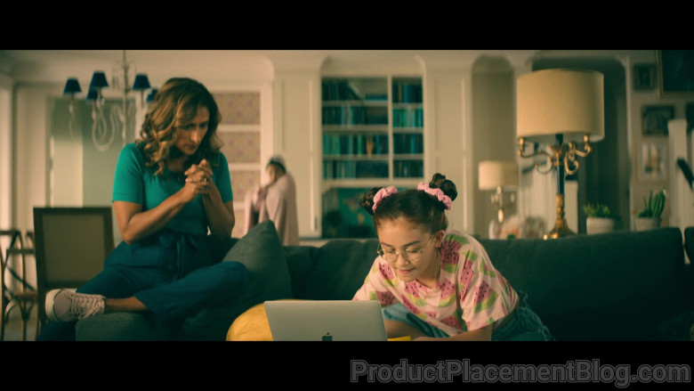 Apple MacBook Laptop Used by Anna Cathcart as Katherine 'Kitty' Song Covey in To All the Boys Always and Fore