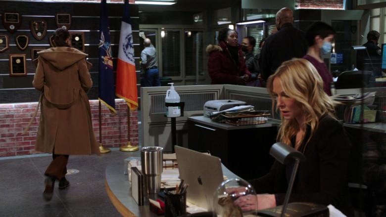 Apple MacBook Laptop Used by Kelli Giddish as Amanda Rollins in Law & Order SVU S22E08