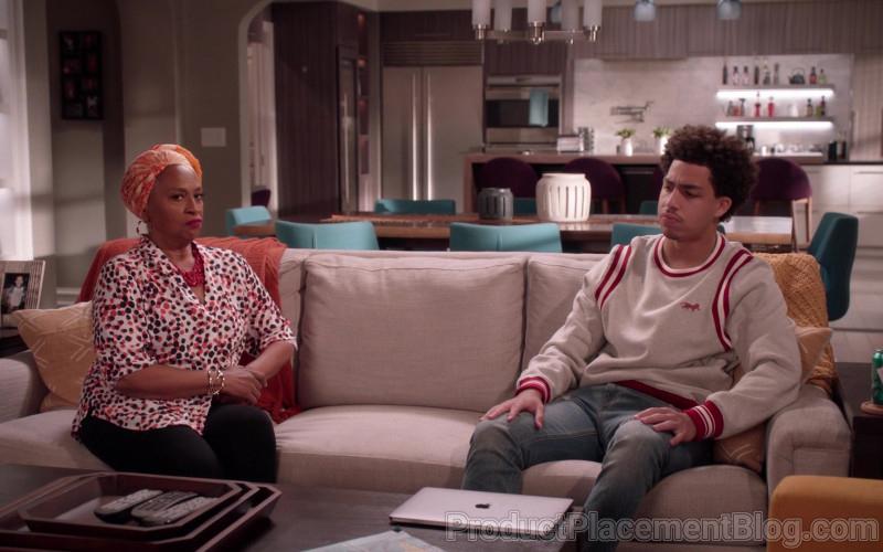 Apple MacBook Laptop and Kenzo Sweatshirt of Marcus Scribner in Black-ish S07E12 (2)