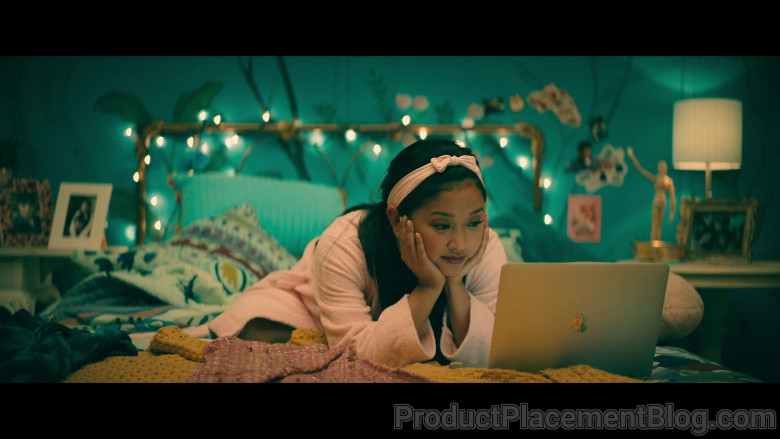 Apple MacBook Laptop of Lana Condor as Lara Jean 'LJ' Song Covey in To All the Boys Always and Forever (2)