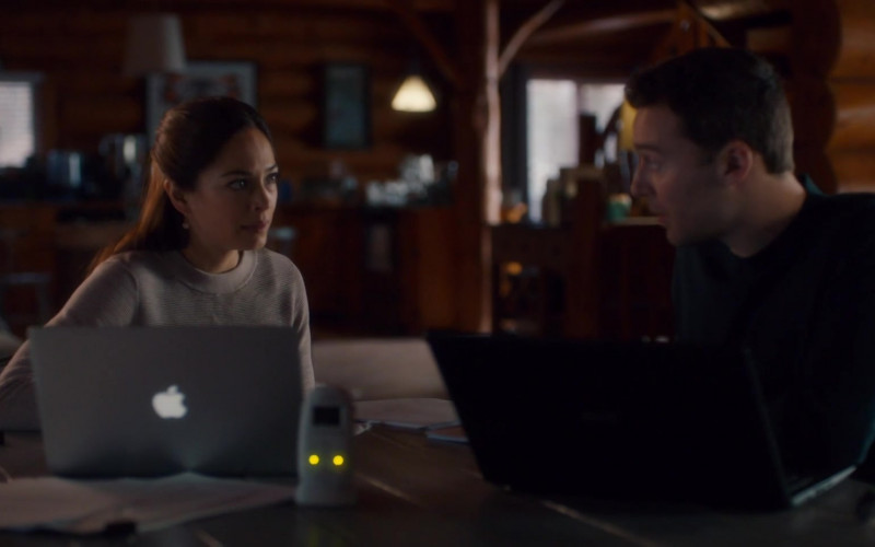 Apple MacBook Pro Laptop Used by Kristin Kreuk as Joanna Chang in Burden of Truth 04E05 (1)