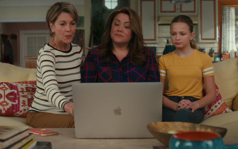 Apple MacBook Pro Laptop of Actress Katy Mixon as Katie Otto in American Housewife S05E10 Getting Frank With the Ottos (2021)