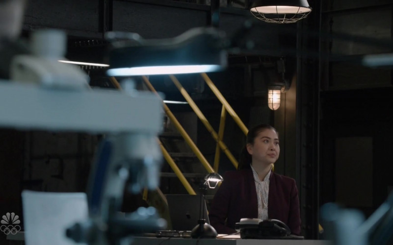 Apple MacBook Pro Laptop of Laura Sohn as Agent Alina Park in The Blacklist S08E07
