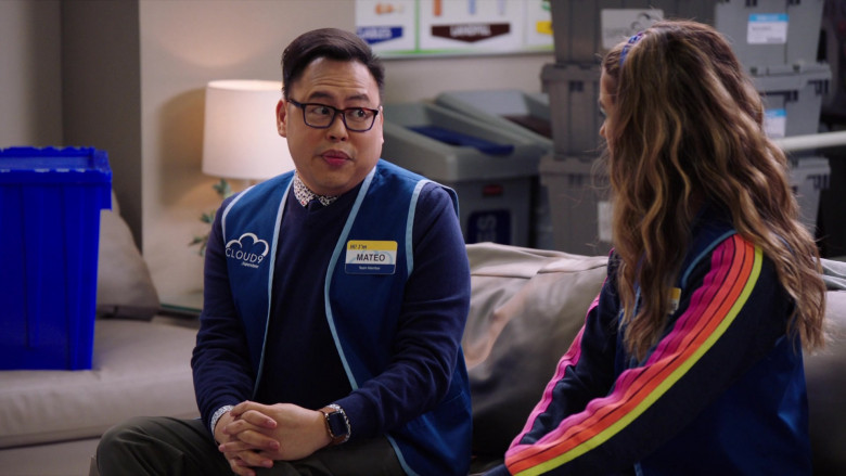 Apple Watch of Nico Santos as Mateo in Superstore S06E08 Ground Rules (2)