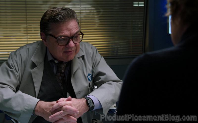 Apple Watch of Oliver Platt as Dr. Daniel Charles in Chicago Med S06E06
