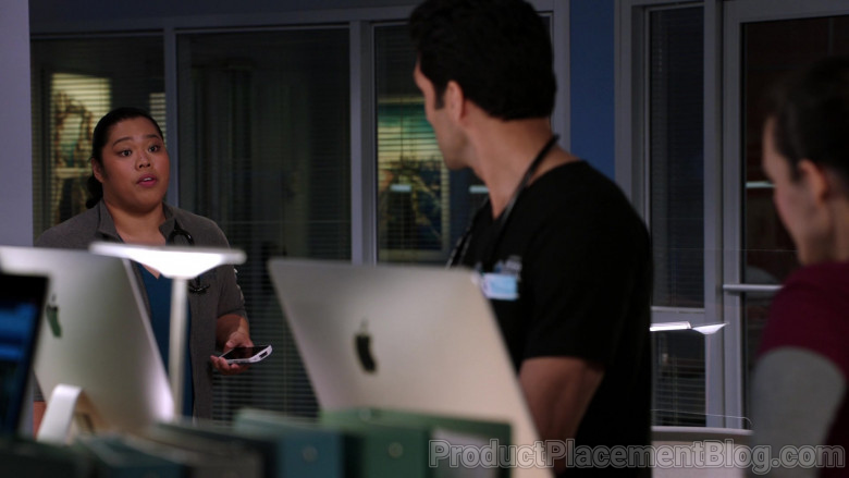 Apple iMac Computers in Chicago Med S06E06 (2)
