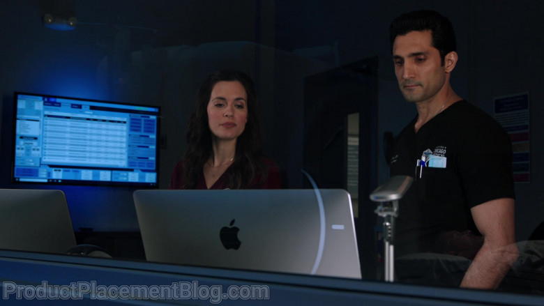 Apple iMac Computers in Chicago Med Season 6 Episode 7 TV Show (3)