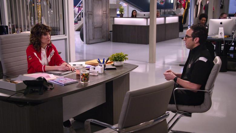 Apple iMac Computers in The Crew S01E02 (4)