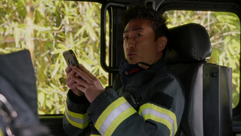 Apple iPhone Smartphone Used by Kenneth Choi in 9-1-1 S04E06 Jinx (2021)