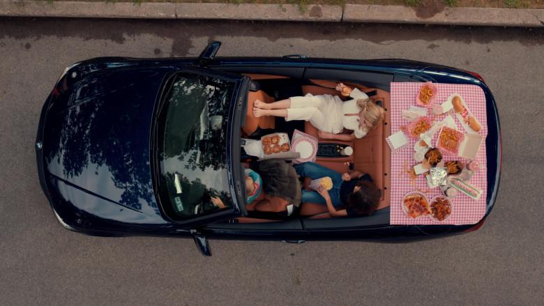 BMW 440i xDrive Convertible Car in Ginny & Georgia S01E01 TV Show (Netflix) (8)
