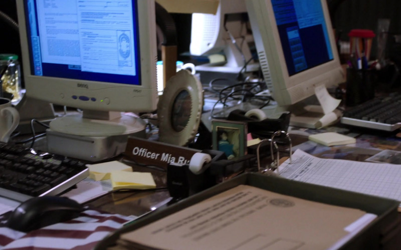 BenQ Computer Monitor in Law & Order SVU S22E07 Hunt, Trap, Rape, and Release (2021)