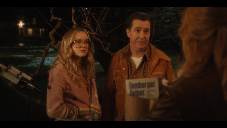 Betty Crocker Hamburger Helper in Firefly Lane S01E10 Auld Lang Syne (2021)
