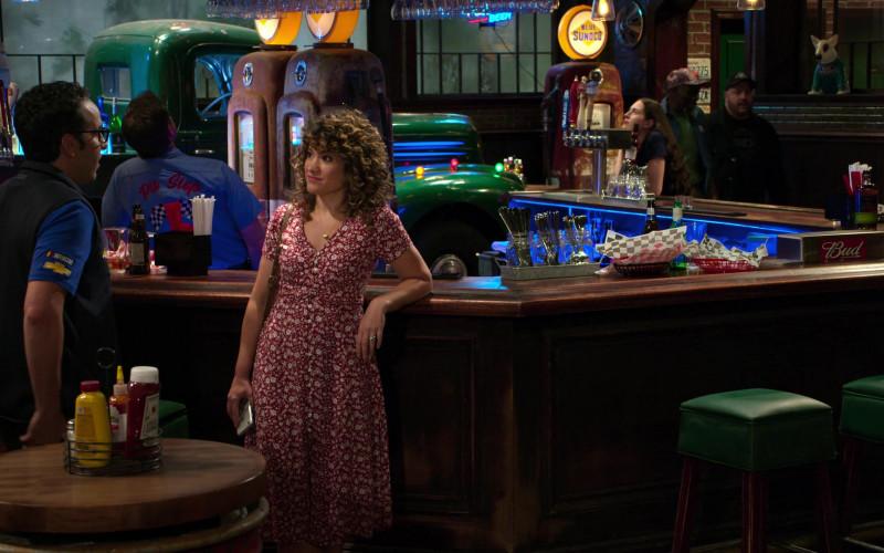 Blue Sunoco and Bud in The Crew S01E10