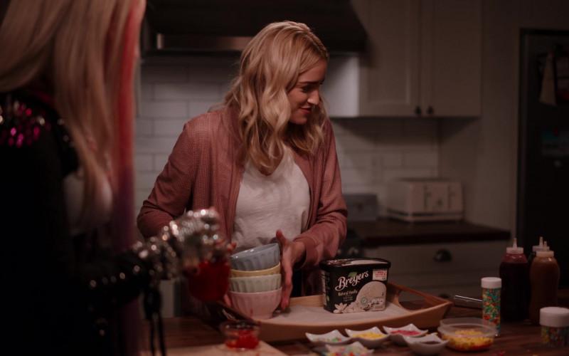 Breyers Ice Cream in Ginny & Georgia S01E07 Happy Sweet Sixteen, Jerk (2021)