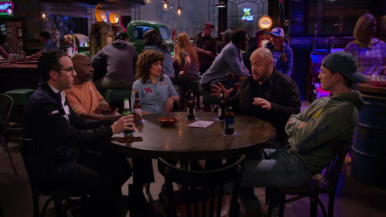 Bud Light Beer of Freddie Stroma as Jake in The Crew S01E03