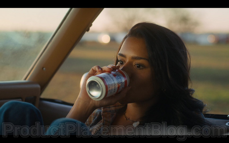 Budweiser Beer Cans in Bridge and Tunnel S01E03 2021 TV Show Product Placement (3)
