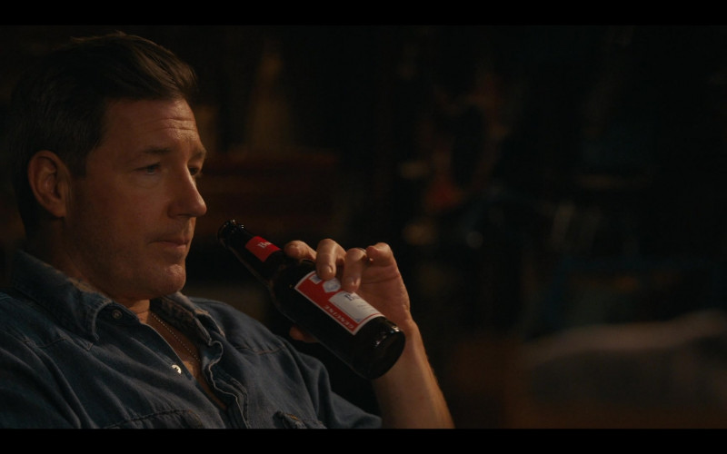 Budweiser Beer Enjoyed by Actor Edward Burns as Artie Farrell in Bridge and Tunnel S01E05 (3)