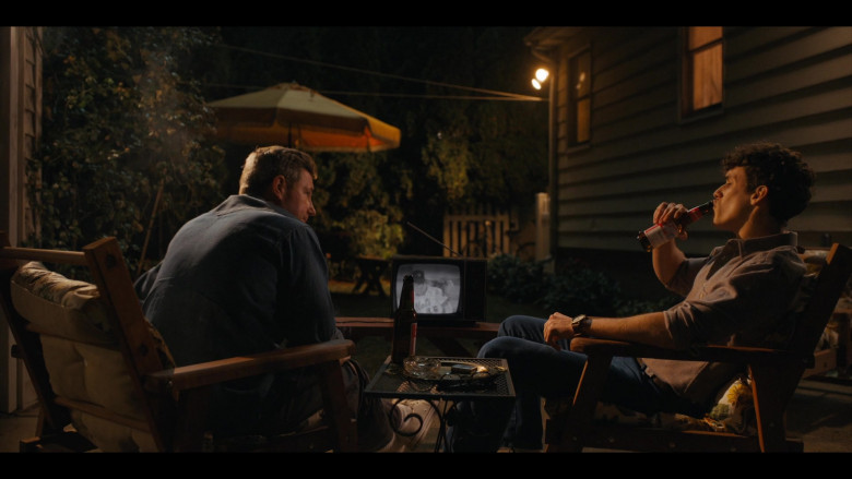 Budweiser Beer Enjoyed by Sam Vartholomeos as Jimmy Farrell in Bridge and Tunnel S01E05