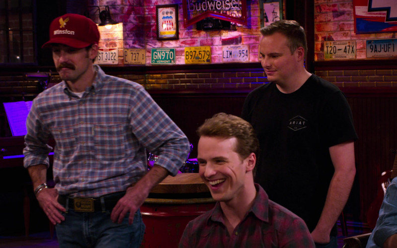 Budweiser Beer Sign in The Crew S01E03 Hot Mushroom Meat (2021)