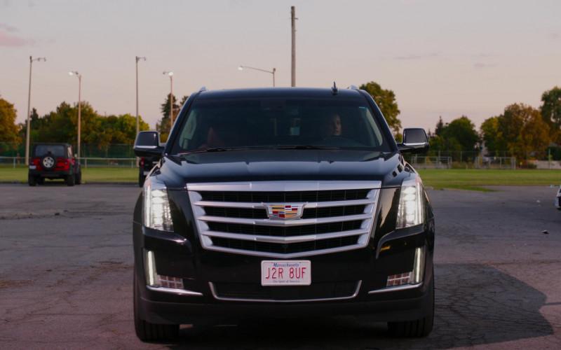 Cadillac Escalade Car in Ginny & Georgia S01E03 (2)