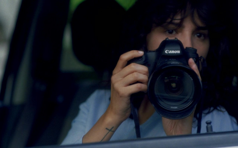 Canon Camera of Eiza González as Fran in I Care a Lot (2020)
