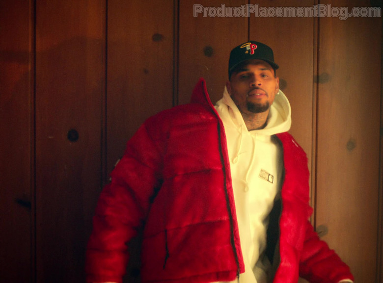 Carhartt White Hoodie of Chris Brown in Provide by G-Eazy ft. Mark Morrison (2021)