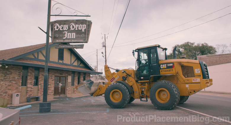 Caterpillar 930M Wheel Loader in The Map of Tiny Perfect Things (2)